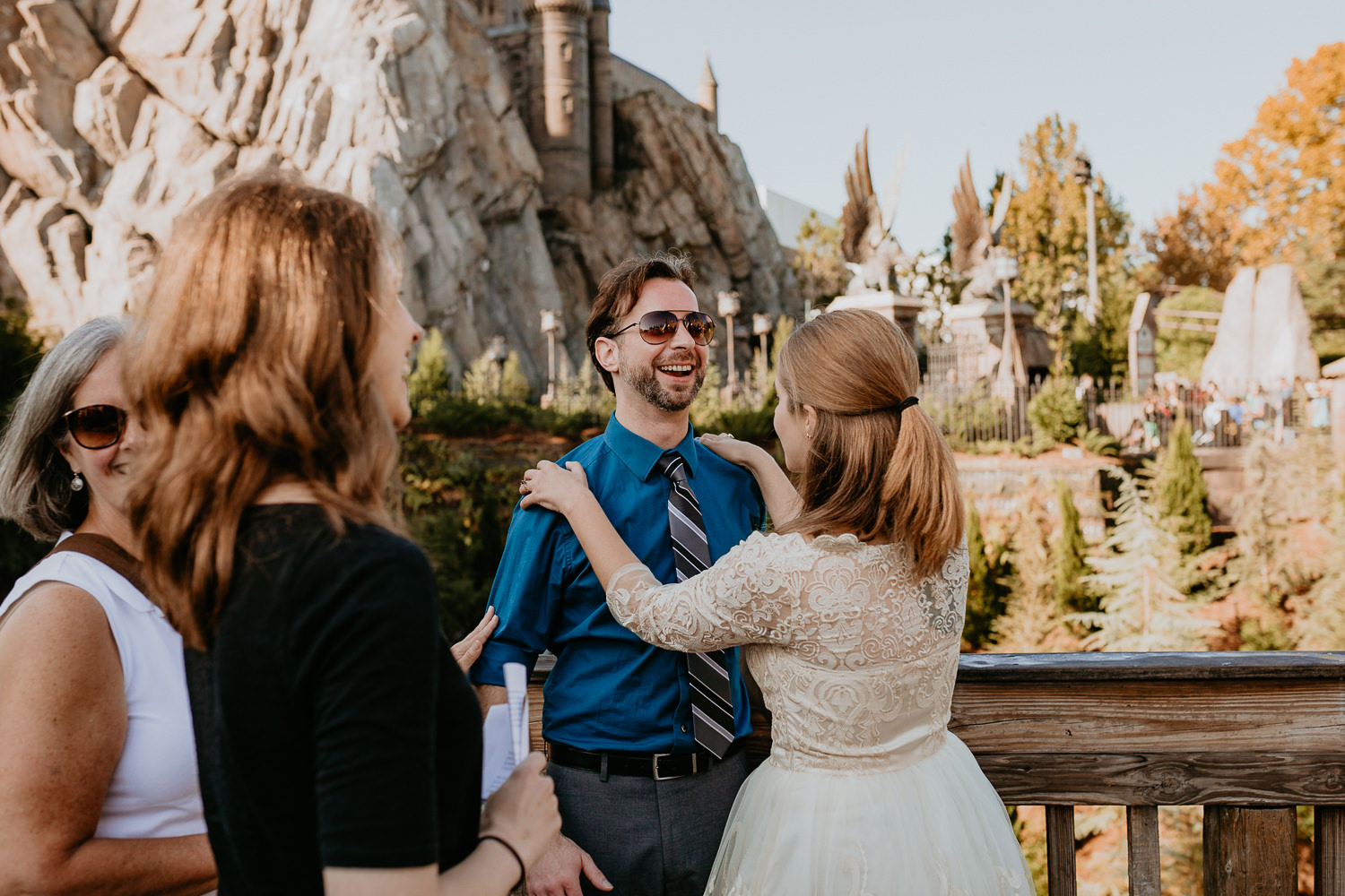 newlyweds meeting for first time on universal studios bridge